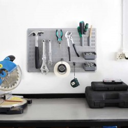 fond perforé pour ranger ses outils de bricolage